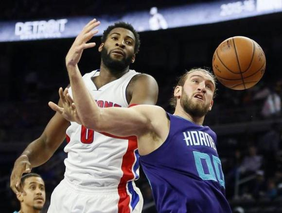 Detroit Pistons vs. Charlotte Hornets at Palace of Auburn Hills